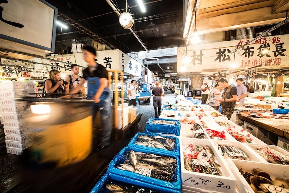 tsukiji fish market tokyo prefecture japan